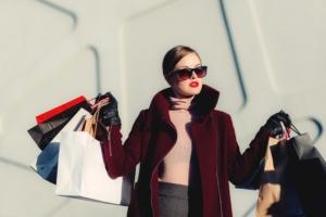 Faire du shopping sans céder aux coups de cœurs et aux effets de mode